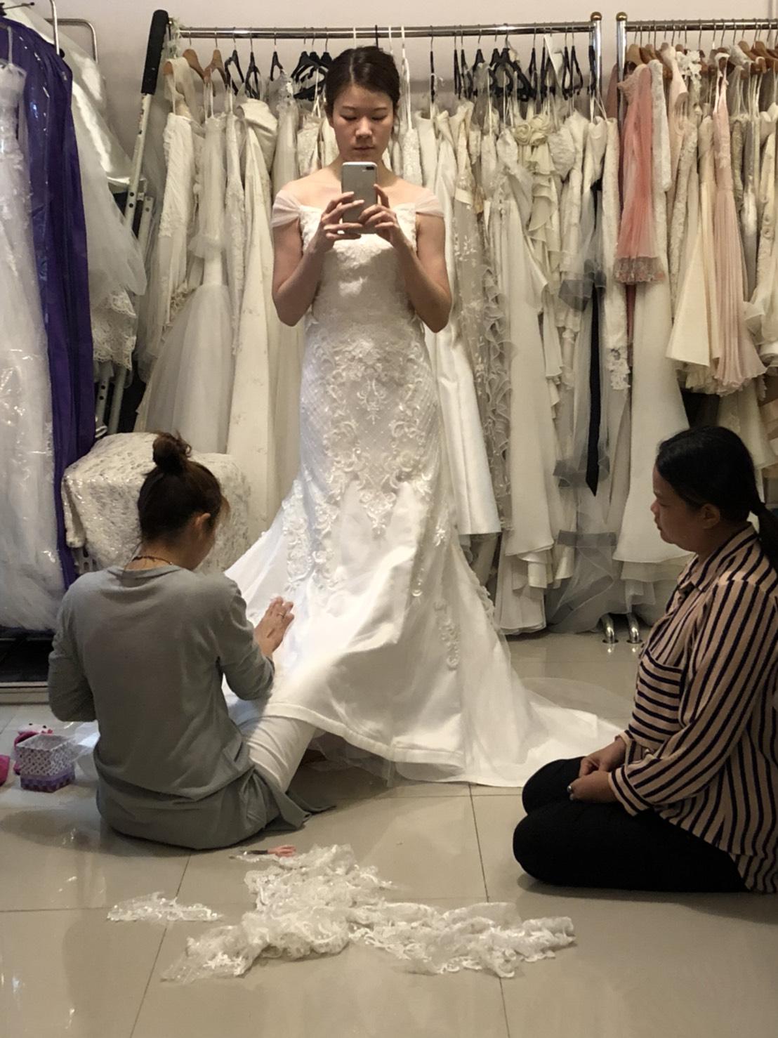 แก้ชุดแต่งงาน